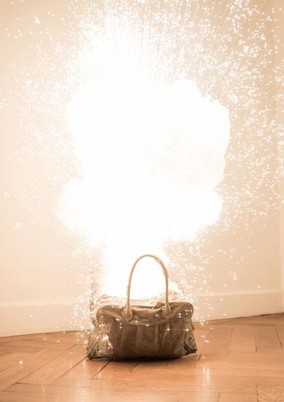 Sandra Kranich: BAG BANG, Firework 18.1.2014, 2014 / Foto: Christian Lauer