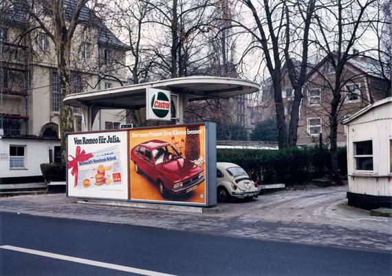 Max Regenberg: gas station, 1980, Köln, DE© Max Regenberg, Courtesy Galerie Thomas Zander, 2016
