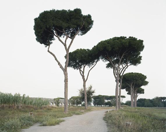 Hans-Christian Schink: Aqua Claudia, Parco degli Acquedotti (1), 2014C-Print, 51 x 60,5 cm or 121 x 143 cm or 178 x 211 cm, ed. 8 + 2 AP
