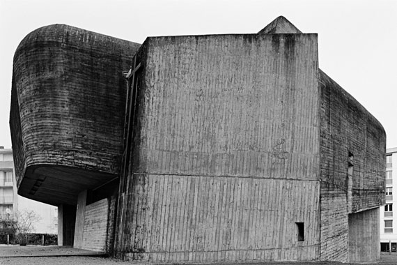 """Aglaia Konrad: """"Nevers"""", aus der Serie """"Shaping Stones"""", 2009, Digital-Print auf Archiv-Fotopapier, 144 x 211 cmCourtesy Galerie Raum mit Licht, Wien"""