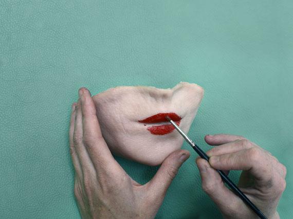 Aneta Grzeszykowska: Selfie #18b, 2014 © Aneta Grzeszykowska. Courtesy of the artist and Raster Gallery in Warsaw