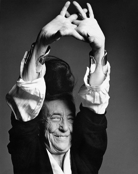 """""""Louise Bourgeois with arm stretched"""", New York City 1996, Edition of 8 © Marc Hom"""