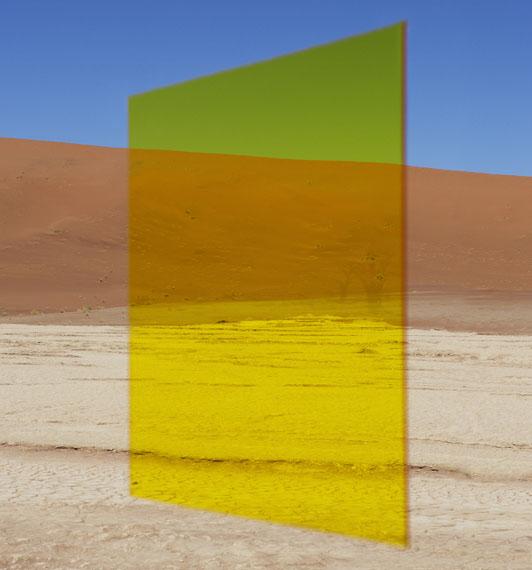 Viviane Sassen: Yellow Vlei, 2014 C-print, 150 x 140 cm © Viviane Sassen