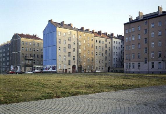 Bernauerstrasse, Berlin, 1992 © Thomas Struth