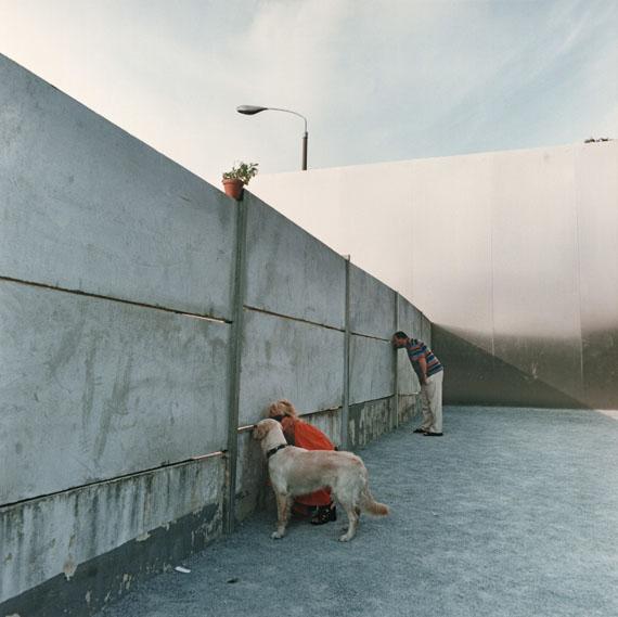 Ute Mahler, Mauergedenkstätte an der Bernauer Strasse Berlin, 1998© Ute Mahler/ OSTKREUZ
