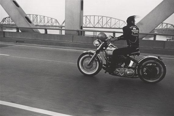 Crossing the Ohio River, Louisville, 1966© Danny Lyon / Courtesy Gavin Brown's Enterprise