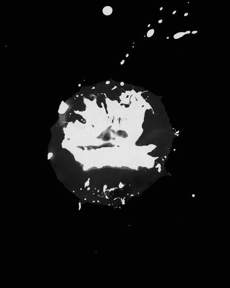 """Gerda Schütte: """"Ébullition N° 1""""2013, 25,2 x 20,1 cm, Fotogramm, Silbergelantine© Gerda Schütte, courtesy Semjon Contemporary"""