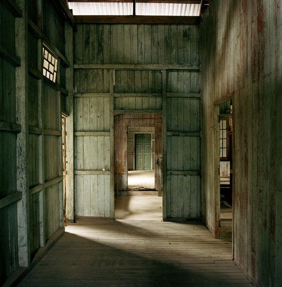 "Beatrice Minda: Dawei Flur, 2015, Serie ""Dark Whispers"""