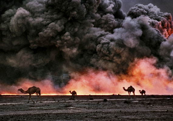 © Bruno Barbey / Magnum Photos, Burgan-Ölfelder, Kuwait, 1991