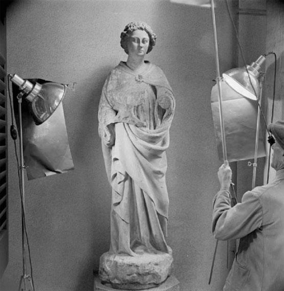 Alfred Ehrhardt: Stehender Heiliger, Sammlung Hartmann, 1942 © Alfred Ehrhardt Stiftung