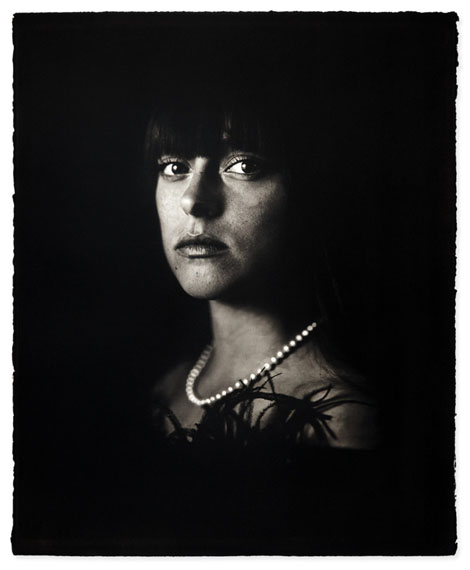 Gilles LorinTHE GIRL WITH THE PEARL NECKLACE Palladium-platinum print. 2014.Printed in 2018. Signed in pencil and numbered. Limited edition. On handmade gampi chine collé with blindstamp Atelier Gilles Lorin.770 x 570 mmCourtesy Kunsthandel Jörg Maass