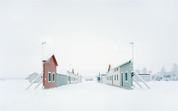"Gregor Sailer: ""Carson City VI / Vårgårda, Sweden"", 2016aus der Serie ""The Potemkin Village""C-Print, 95 x 120 cm, Ed. 5 + 2 AP"
