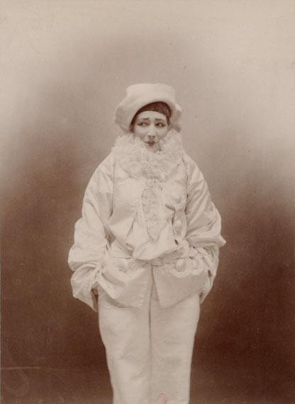Paul Nadar, Sarah Bernhardt dans Pierrot assassin, 1883BnF, dép. Estampes et photographie