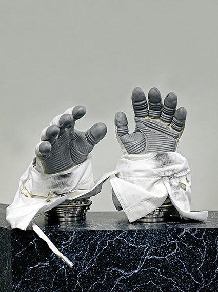 Vincent Fournier Phase VI space gloves Used on the International Space Station, custom made for each astronaut. [ILC] Dover, U.S.A., 2017 130 x 100 cm / 200 x 150 cm / 235 x 180 cmInk jet on Hahnemühle Baryta paper / Edition of 10