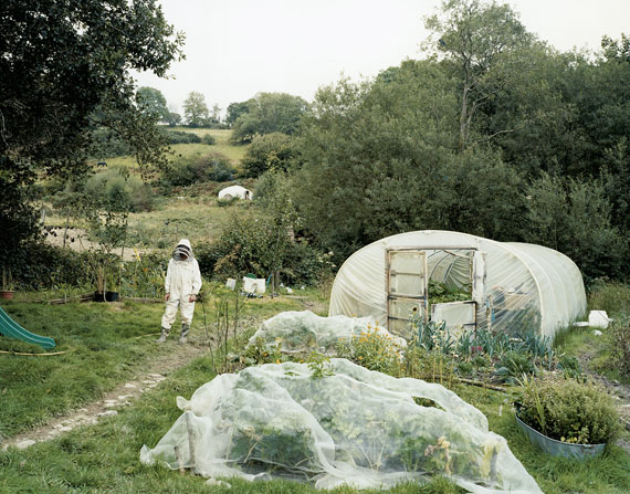 """David Spero: from """"SETTLEMENTS""""Dan and Claire's garden, locations undisclosed, September 2008Beekeeping © David Spero"""