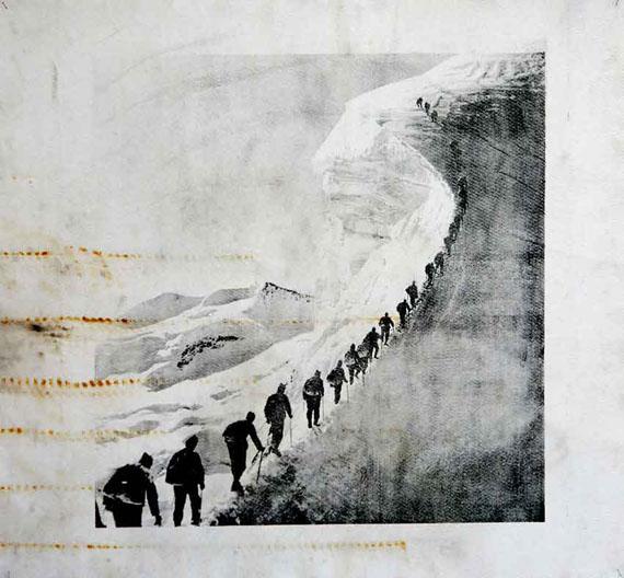 Douglas Mandry   Piz Palü, aus der Serie «Monuments», 2019   Lithographie auf gebrauchtem Gletschertuch (Geotextile)   128 x 152 cm   Unikat