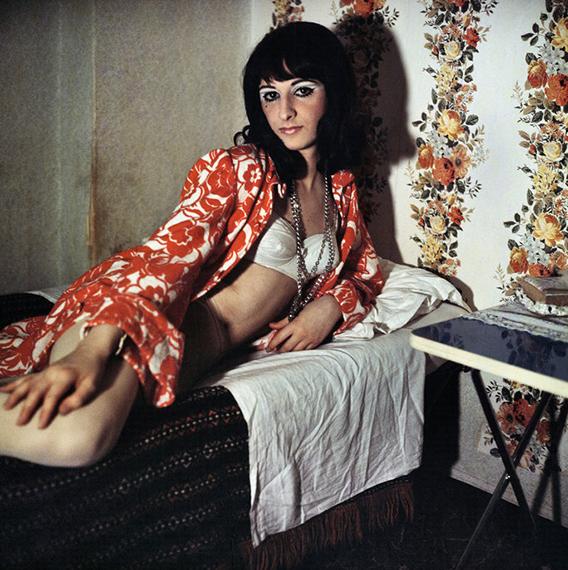 "From the series ""I Travestiti"", 1965-1970 © Lisetta Carmi, courtesy Martini & Ronchetti 2020"
