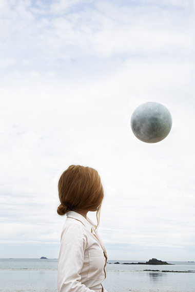 Maia Flore, Lune, 2019 Pigment print, 70 x 50 cm edition of 5 prints© Maia Flore / VU' and Galerie Esther Woerdehoff