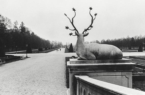 Inge Morath: Schloss Kleßheim. Blick in den Park, Salzburg, 1991