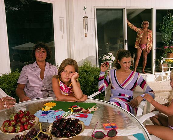 Gillian Laub, Chappaqua backyard, 2000. © Gillian Laub