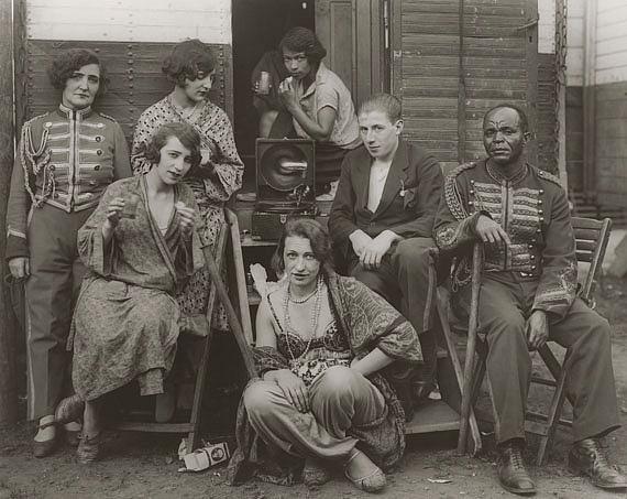 August Sander: Zirkusartisten, 1926–1932© Die Photographische Sammlung/SK Stiftung Kultur August Sander Archiv, KölnVG Bild-Kunst, Bonn, 2021