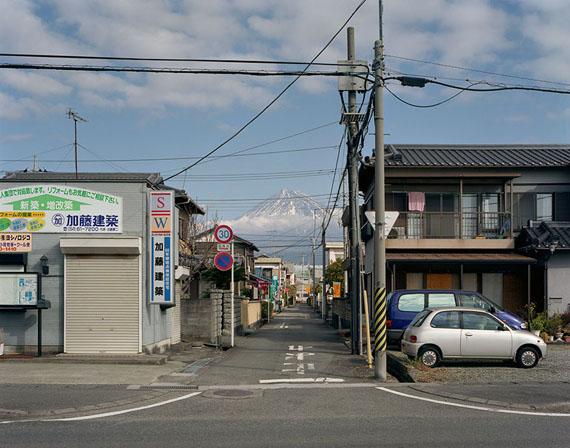 Shin-Fuji (Street) 2005 © John Riddy