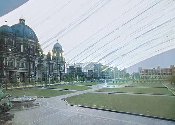 Michael Wesely, Palast der Republik, Berlin (28.6.2006 - 19.12.2008), courtesy Nusser & Baumgart, © Michael Wesely, VG-Bild-Kunst