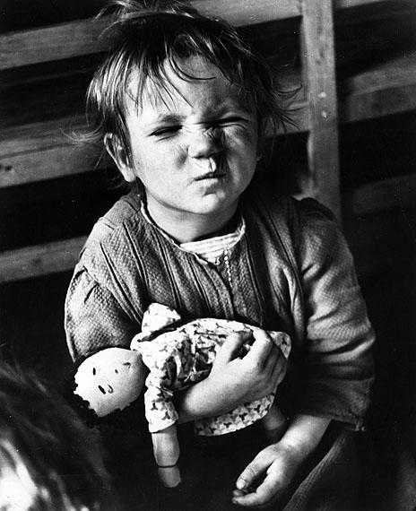 Austrian Girl, 1948 ©CHIM / Magnum Photos