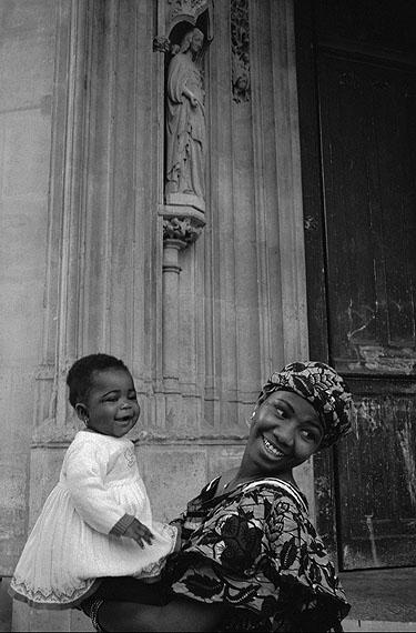Martine Franck:, Illegale Immigranten, Kirche St. Bernard, Paris, 1996, © Martine Franck / MAGNUM Photos / Focus