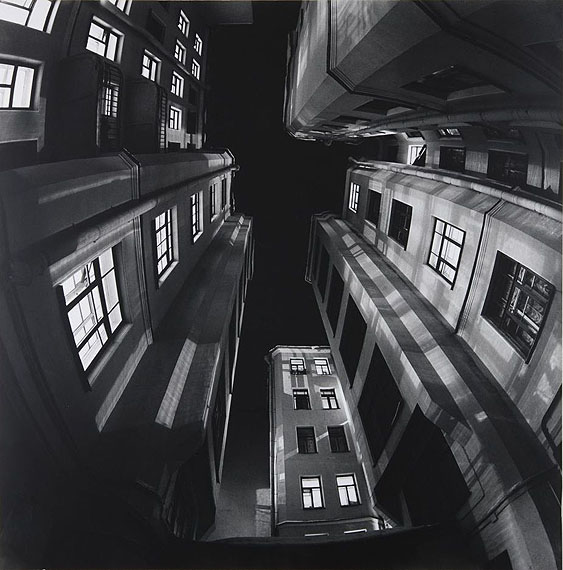 © VLADIMIR ANTOSCHENKOV, 1997