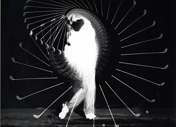 Harold EdgertonDensmore Shute bends the shaft, 1938Gelatin silver print37.9 x 40.5 cm© Harold Edgerton, 2013, courtesy of Palm Press, Inc.