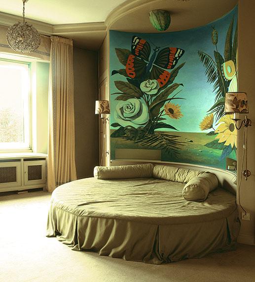 Anna Lehmann-Brauns: Damenschlafzimmer, Weisse Villa, Westend, Berlin, ca. 100 x 90 cm c-print auf Aluminium, 2013