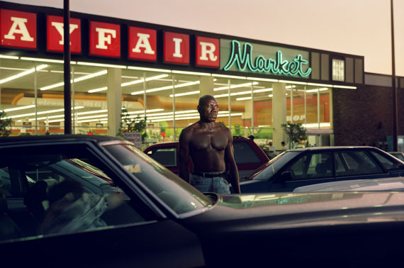 Philip-Lorca diCorcia, Ike Cole, 38 years old, Los Angeles, California, $25, 1990–92, © Courtesy of the artist and David Zwirner, New York/London