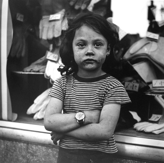 New York, NY, n.d.© Vivian Maier / Maloof Collection, Courtesy Howard Greenberg Gallery, New York / Les Douches La Galerie, Paris