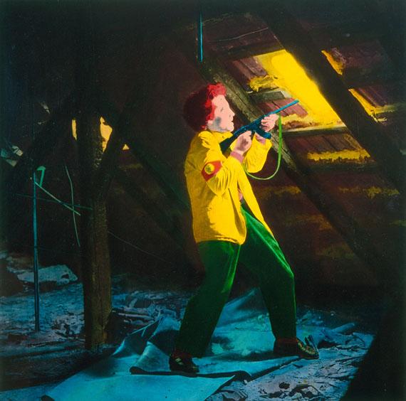 Florian Merkel: Mann mit Gewehr, Eiweißlasur auf Silberbaryt, 1990