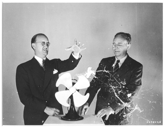 Best & HEE, MGM Academy Award Quicker 'n a Wink, 1940 © Harold Edgerton Archive, MIT. Courtesy Michael Hoppen Gallery