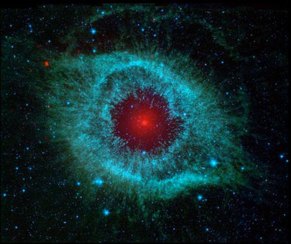 Infrarot-Bild des Helixnebels, Spitzer Weltraumteleskop, 2007 © NASA/JPL-Caltech/University of Arizona