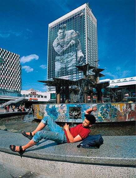 Frauke Bergemann: Alexanderplatz 2003, 83 cm x 107 cm
