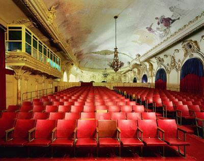 © Robert Polidori · Sala Alejo Carpentier, Gran Teatro de la Habana · Havana, 2000