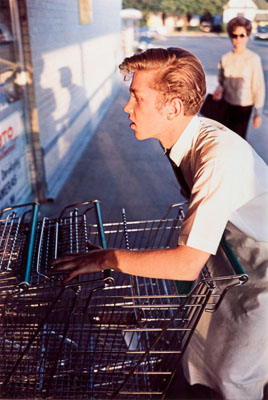 William Eggleston, Untitled, 1965-68 and 1972-74, from Los Alamos, 2003, Dye transfer print, 45,1 x 30,5 cm, Private collection, © Eggleston Artistic Trust. Courtesy Cheim & Read, New York