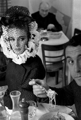 1962, Rome, Haute Couture (Spaghetti) 4/30Silbergelatineprint, 30 x 40 cm© Frank Horvat
