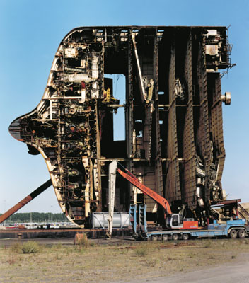 Zeebrugge, 2003, C-Print/ Diasec, 200 x 160 cm, © Boris Becker - Die Photographische Sammlung SK Stiftung Kultur Köln
