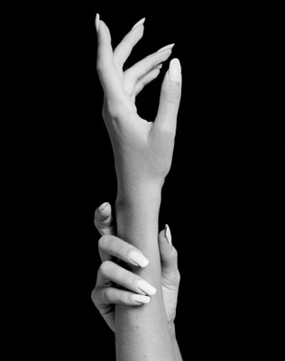 Robert Mapplethorpe, Hands/JenniferJakobson, 1981. Vintage gelatin silver print, image 13 3/4 x 10 3/4 inches on a 20 x 16-inch sheet. Print is stamped by the Mapplethorpe Estate and authenticated in ink on verso, edition number 5 of 10. Donation of Robert Mapplethorpe FoundationHands, 1981 © Robert MapplethorpeFoundation. Used by permission. Courtesy Sean Kelley Gallery