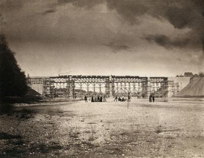 Franz Hanfstaengl, Load testing of the bridge at Großhesseloh, Munich 1857, salt print © Münchner Stadtmuseum