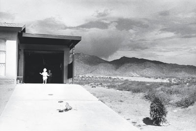 Garry WinograndAlbuquerque, New Mexico, 1958Gelatin-silver print, 21.5 x 32 cmCollection Fotomuseum Winterthur© Estate Garry Winogrand / Courtesy Fraenkel Gallery, San Francisco