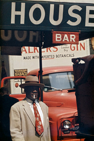 Saul Leiter, Harlem, 1960. © Saul Leiter, Collection Howard Greenberg Gallery, New York.