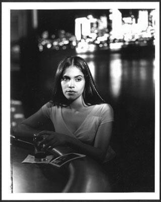Lorna SimpsonDuet (film still), 200016mm-color film and mini DV transferred to DVD double projection, RT: 10 min.Courtesy the artist