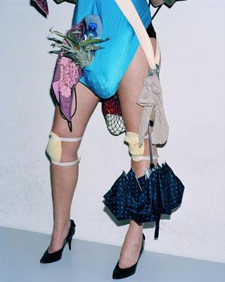 """Viviane Sassen, HKA01, 2006, Bildrechte: WDR / © Viviane Sassen, Courtesy Viviane Sassen, Ausstellung """"No Fashion, please!"""" Kunsthalle Wien"""
