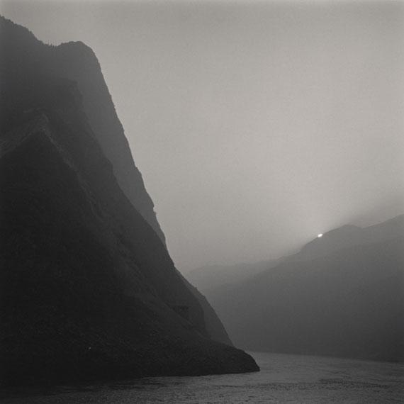 Three Gorges, Yangtze River, China, 2001Gold toned gelatin silver print © Lynn Davis, Courtesy Edwynn Houk Gallery, New York/Zurich
