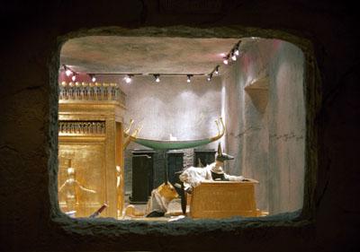 "Aurelia Mihai ""Tal der Träumer/Valley of the Dreamers"" 2004,  (King Tut´s Museum, Luxor, Las Vegas), © Aurelia Mihai"